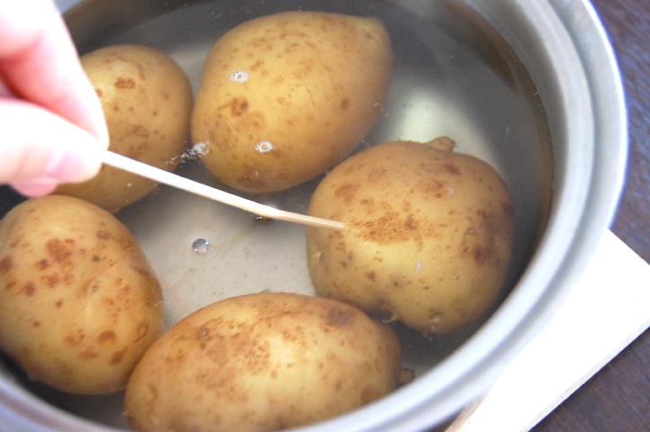 ジャガイモ 茹で方 ポテトサラダ