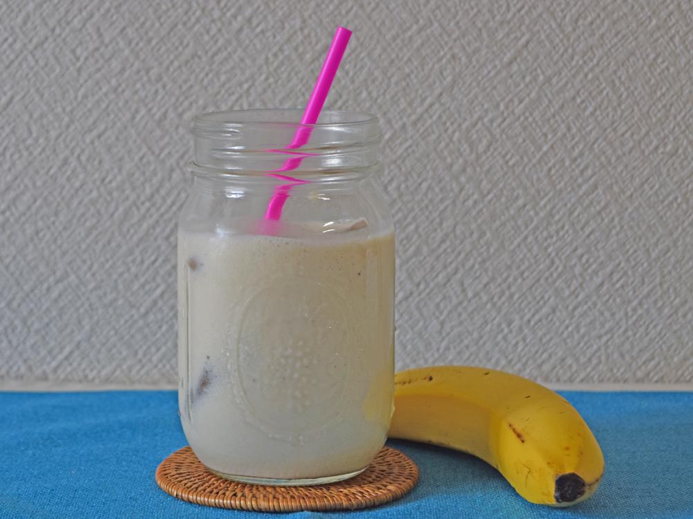 甘酒豆乳スムージー バナナごま味